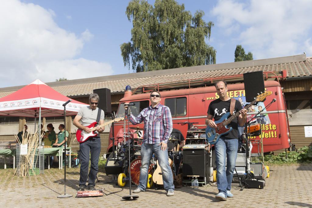 """Die Band """"Streetkings"""" sorgte für gute Stimmung! - Hoffest 2016"""